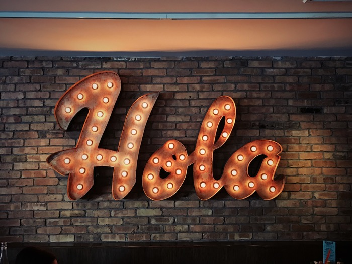 Hola Sign
