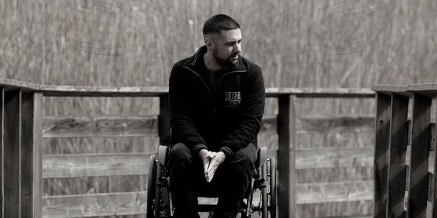 Freeze verarbeitet seine Erfahrungen mit berührender Comeback-Single