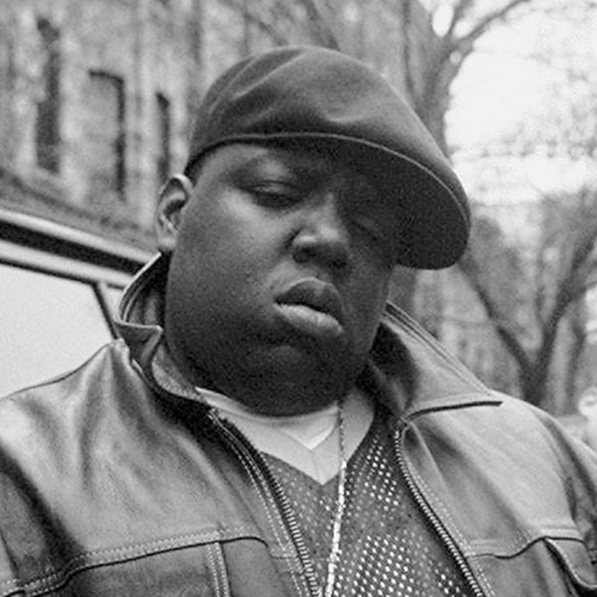 """Platz 2: The Notorious B.I.G. - «Als ich zum ersten Mal Tapes von Freestyle Sessions hatte, war ich komplett geflasht. Das Album """"Ready To Die"""" ist für mich ein Wahnsinn bis heute. Einer der besten Rapper ever und zwar auf allen Ebenen. Technisch, Style, Message… Einfach alles Wahnsinn und eine Stimme für Götter.»"""