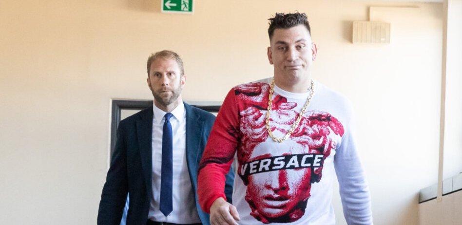Gzuz steht schon wieder vor Gericht: Diese Rapper landeten bereits im Knast