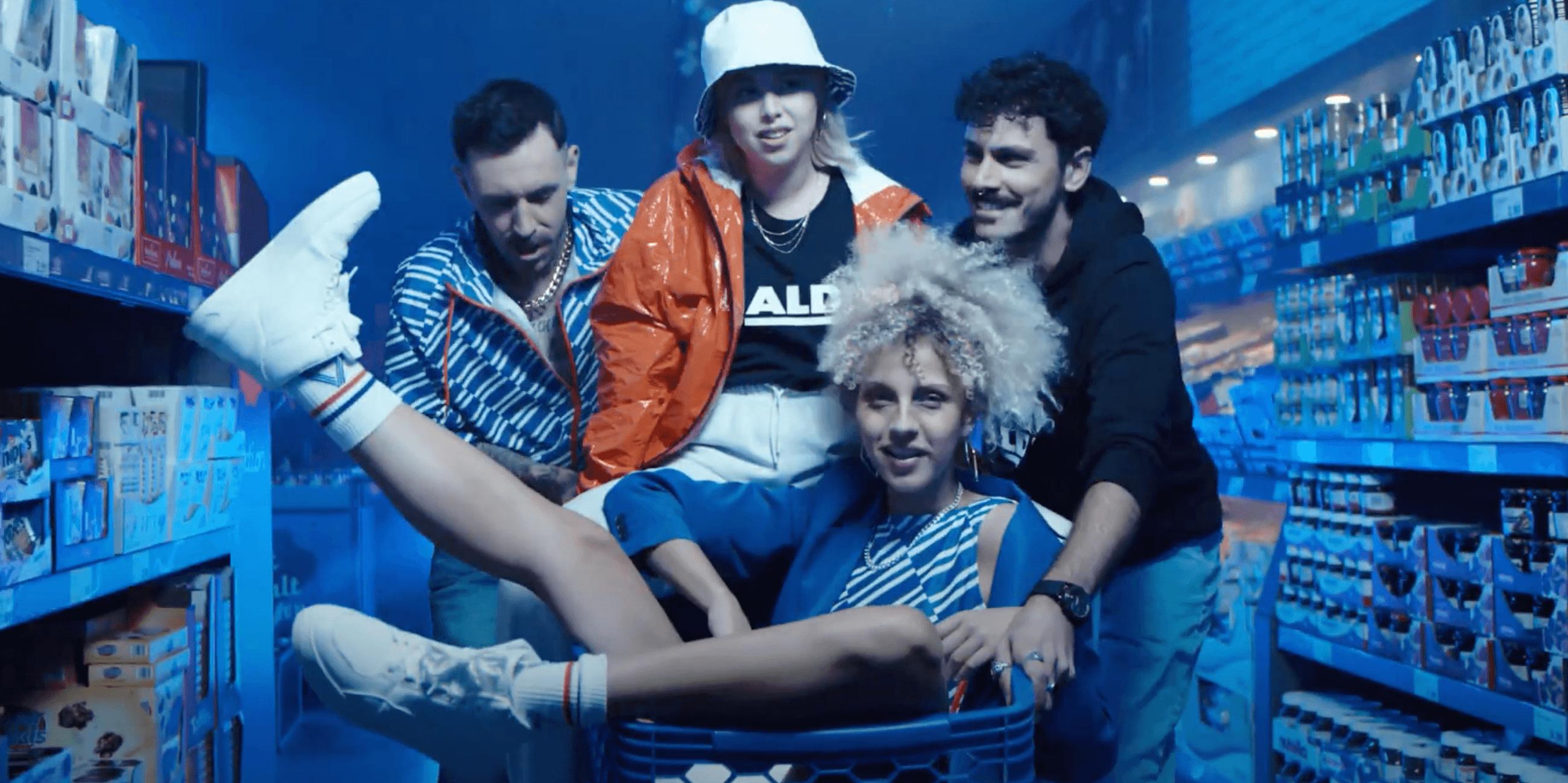 Aldi releast Aldiletten - das sind die weirdesten Streetwear-Collabs