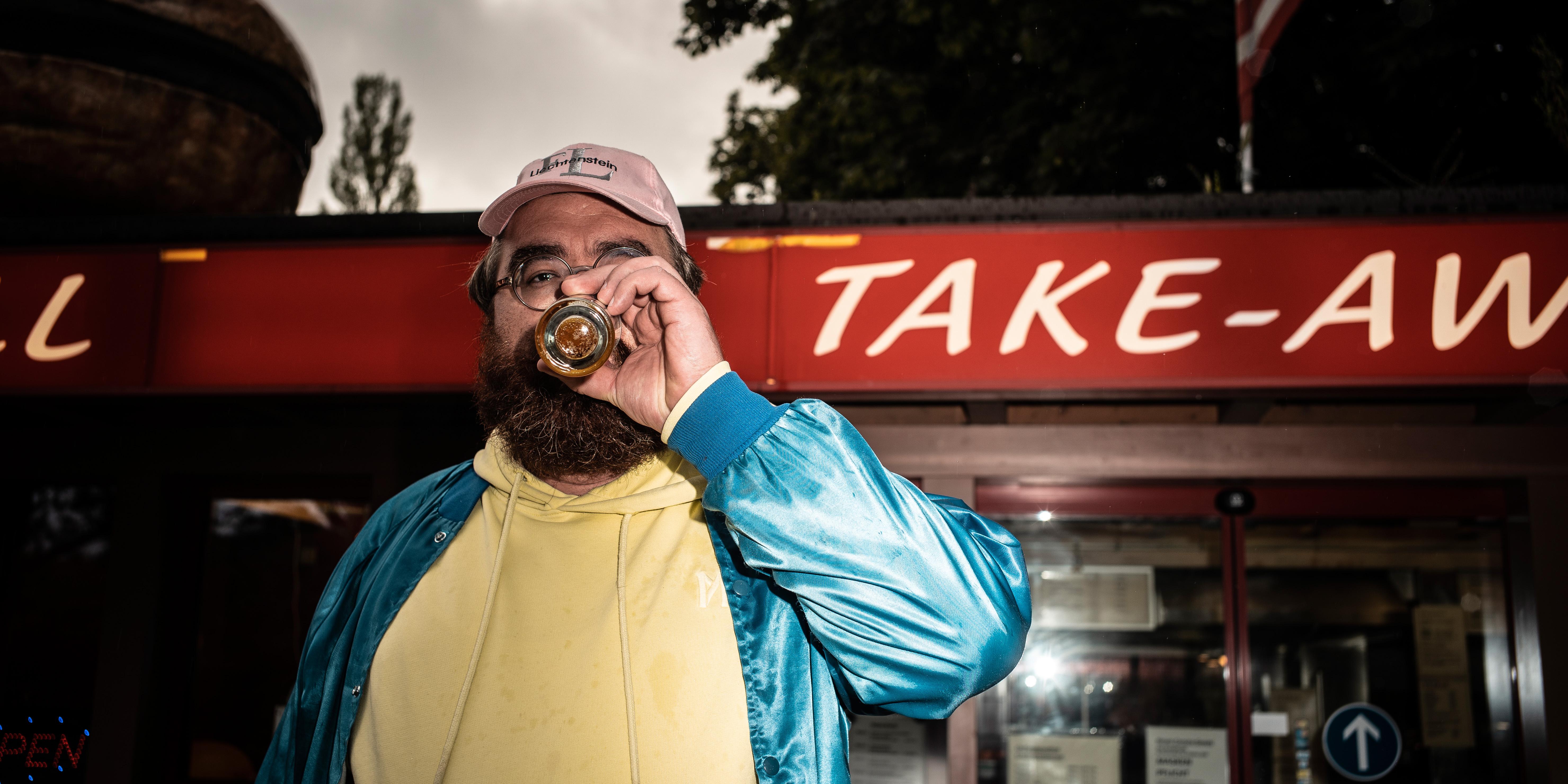 Auf ein Bier mit dem Action Bronson der Schweiz