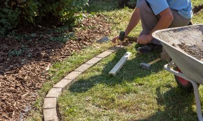 decorative garden edging ideas