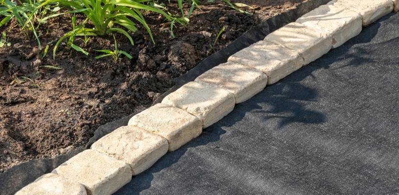 stones garden edging