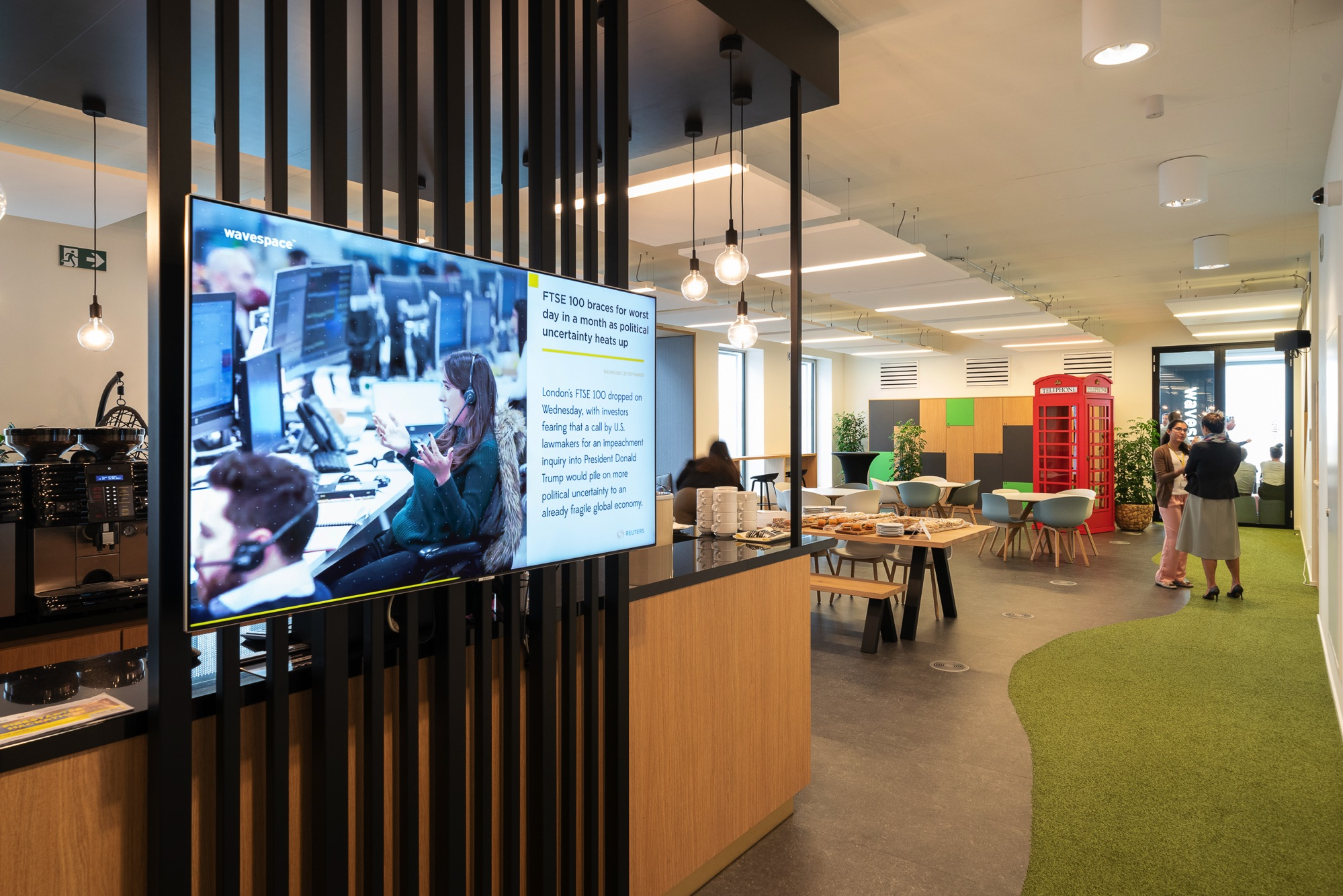 Digital signage is the perfect medium for employee engagement: here's why