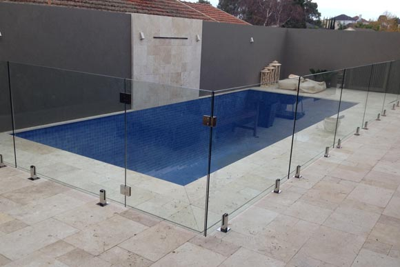 Glass fencing panel metal stands