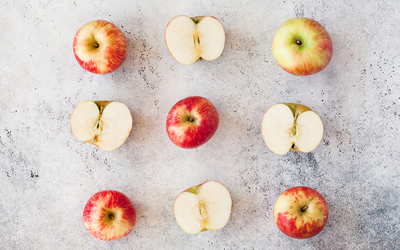 A popular detox food, apples , are rich in the soluble fiber pectin that aids detoxification.