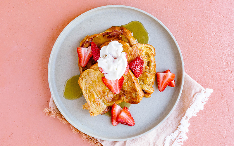 Our first favorite vegetarian comfort food is french toast. This vegetarian comfort food is sure to brighten your morning!