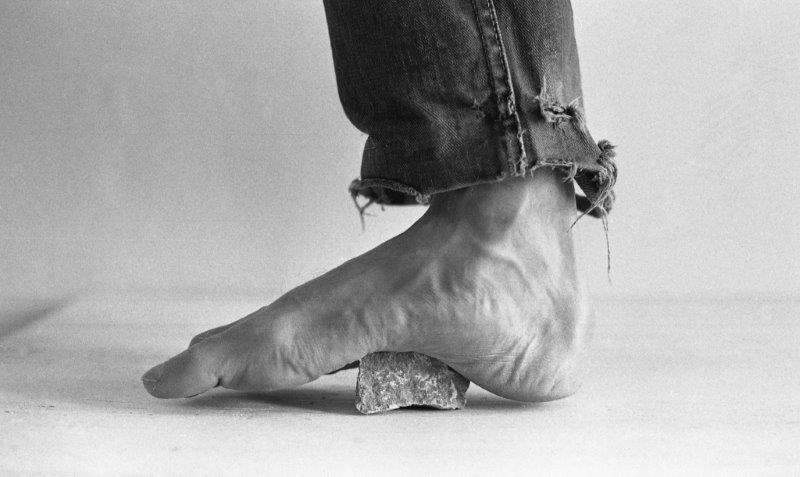 David Ginton, Pain (Foot on Stone)