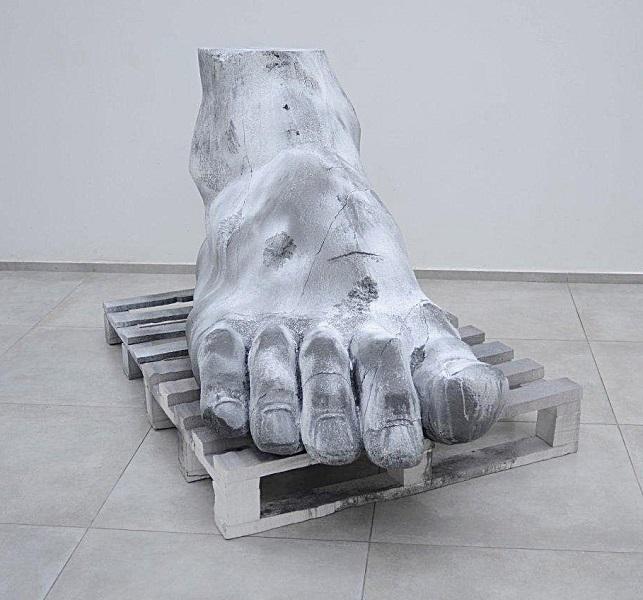 Sasha Serber, Foot