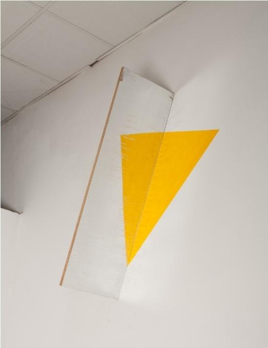 Buky Schwartz, Yellow Triangle
