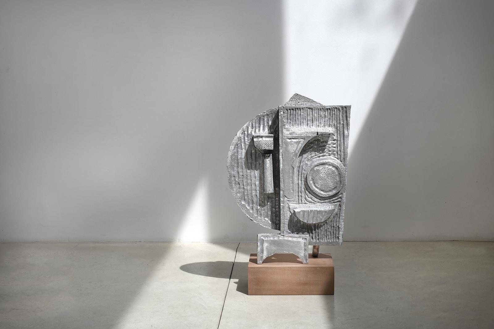 Ohad Meromi, Face (Decorative Machine)