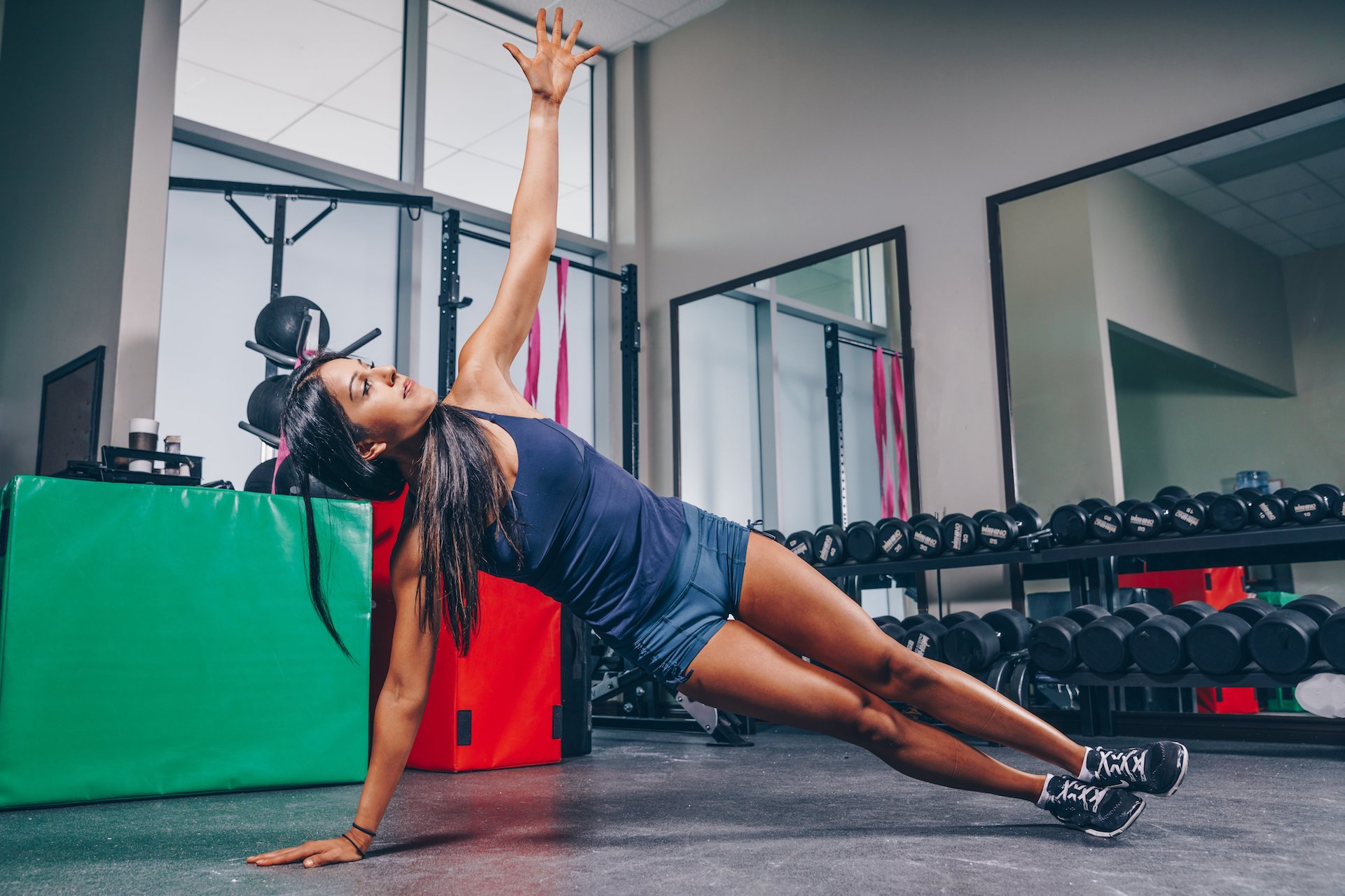 Woman doing a core strengthening exercise