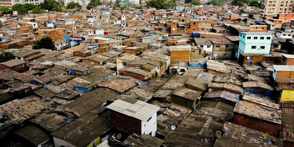 Places to Visit around Mumbai-Dharavi slum tour
