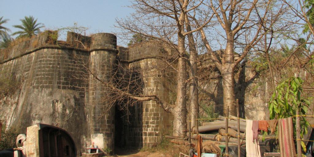 Places to Visit around Mumbai-Vasai fort