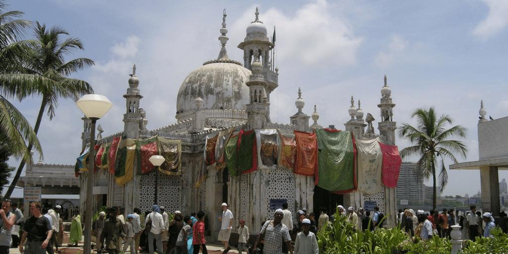 Places to Visit around Mumbai-Haji Ali Dargah