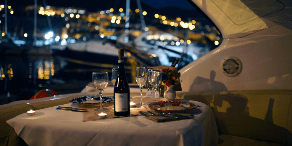 romantic restaurants in Mumbai -yacht