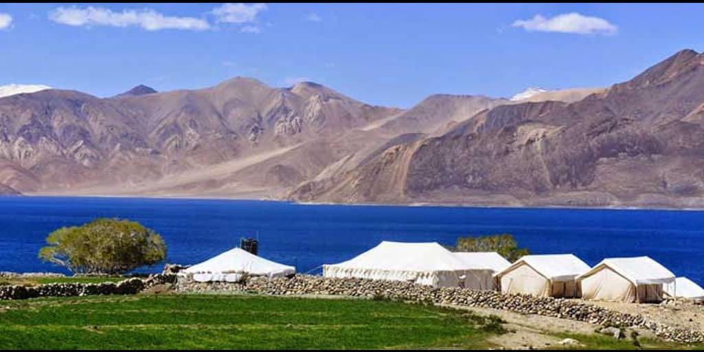 Places to visit in January in India - Moonland ladakh