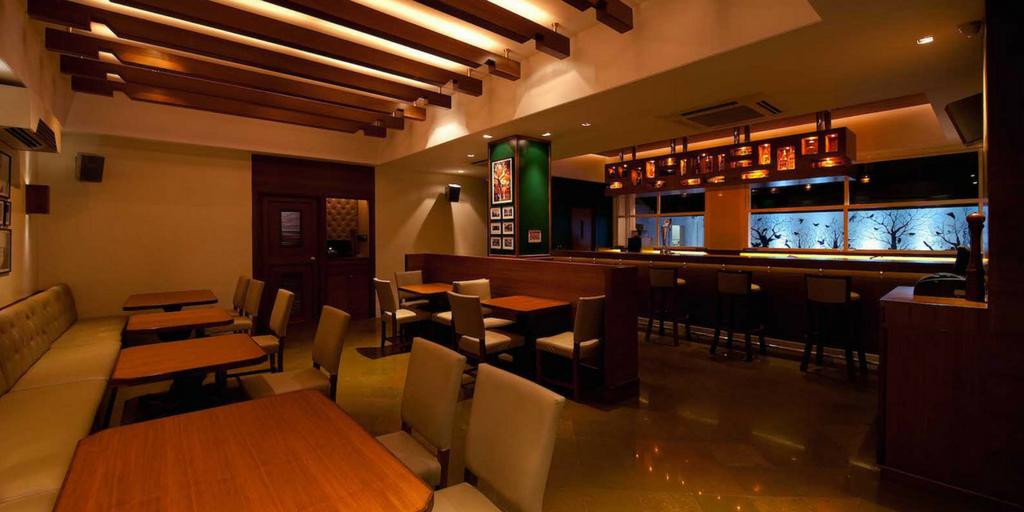 Mumbai Nightlife - Woodside Inn