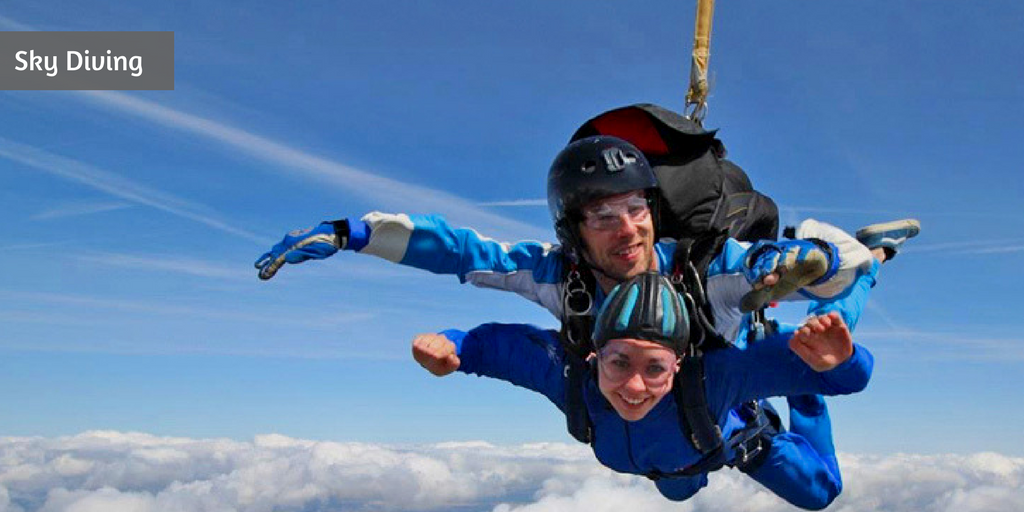 10 romantic things to do on Valentine's Day in Delhi skydiving