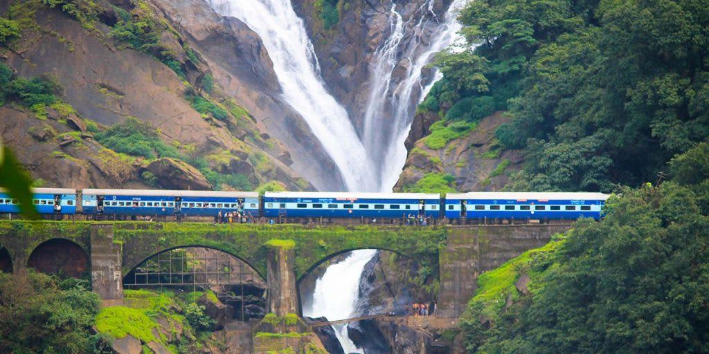 trekking in Goa - Doodhsagar falls