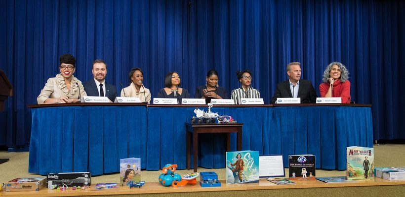 <em>Dr. Knatokie Ford (far left), Senior Policy Advisor in the White House Office of Science and Technology Policy, moderates