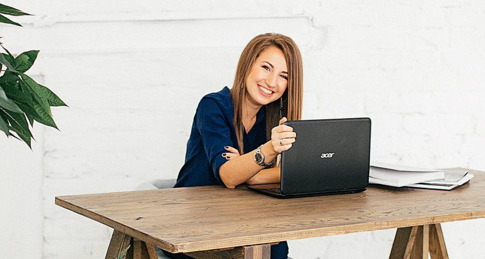A lady working on a laptop