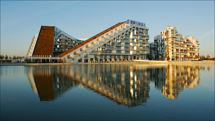 8 House - Bjarke Ingels - panoramio.jpg