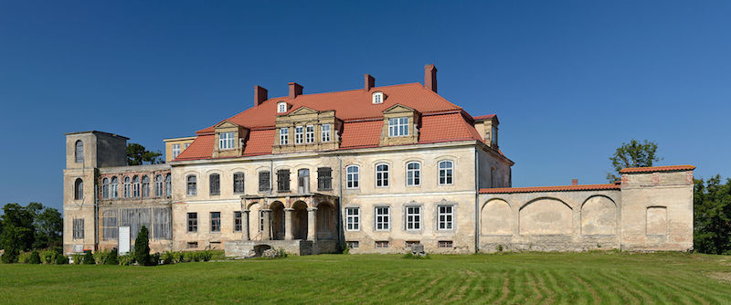 Malla-manor-castle