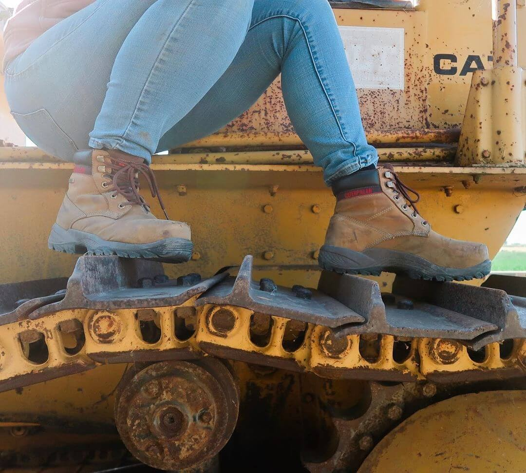 The 15 Best Work Boots for Women [Reviewed]