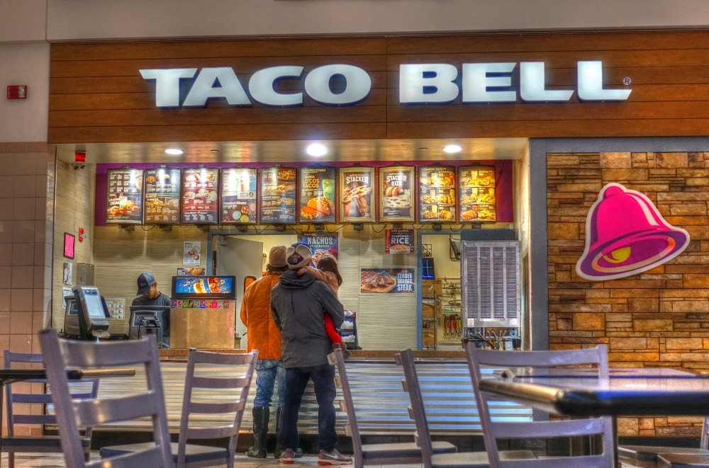 Family Ordering at Taco Bell