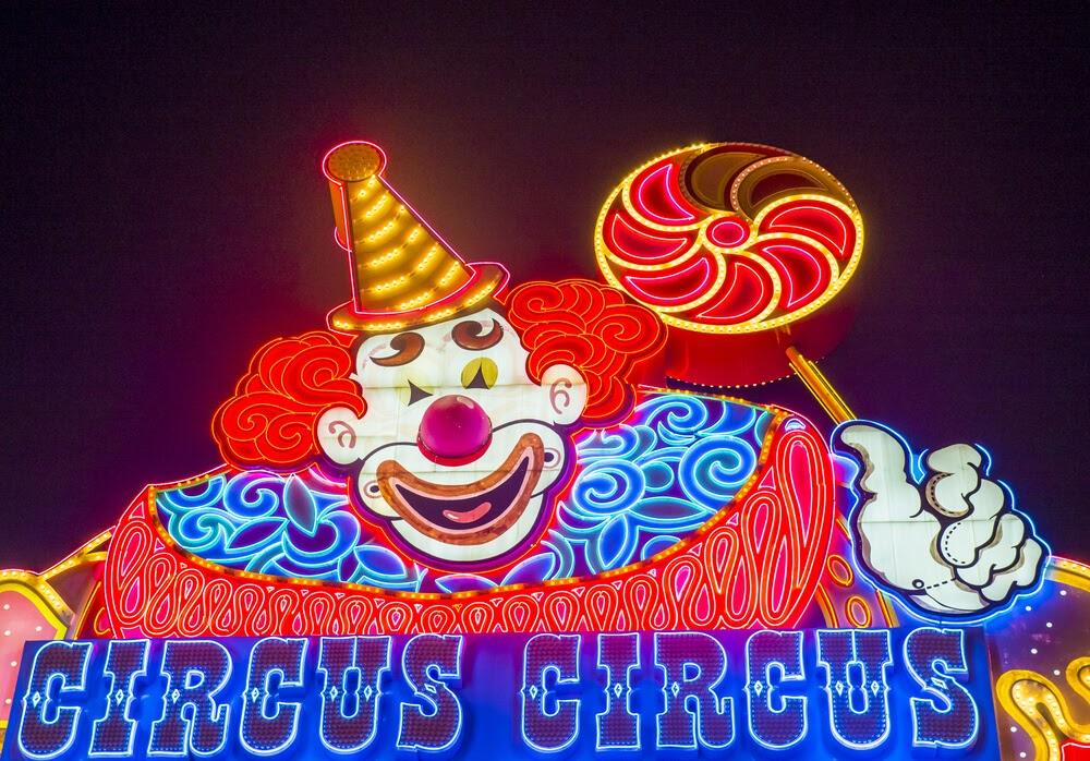 circus circus sign