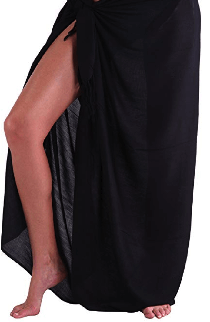 Photo of lower half of the body black sarong wrapped in side slit method.