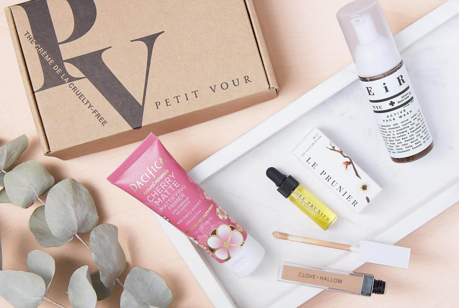 Example of Petit Vour subscription box