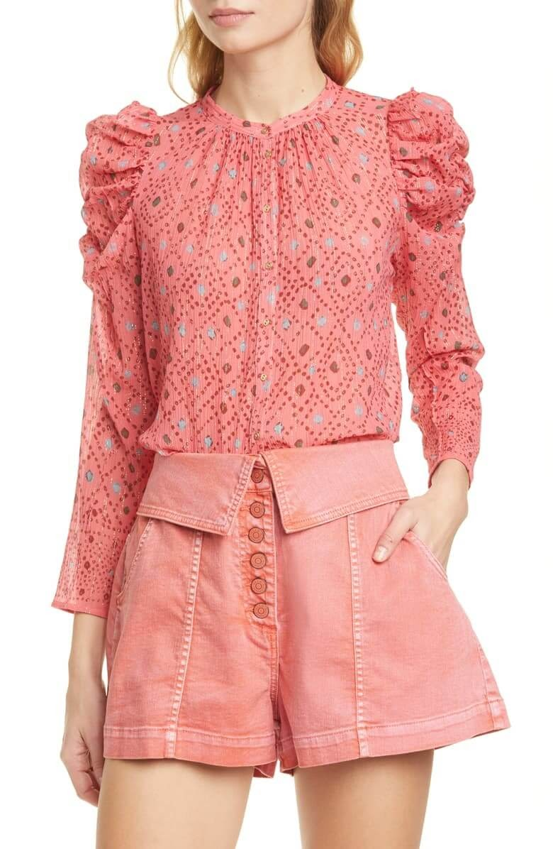 Pink shirt with puffy seves