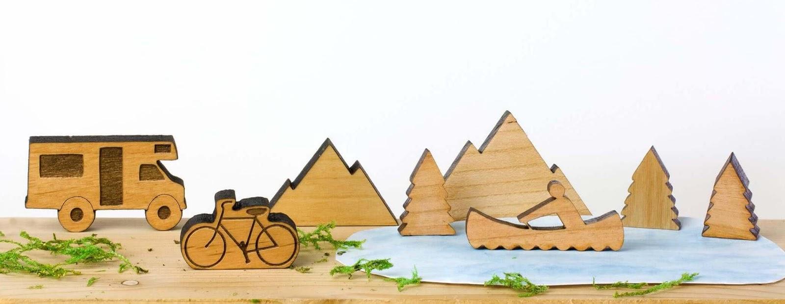 Wooden desktop figures.