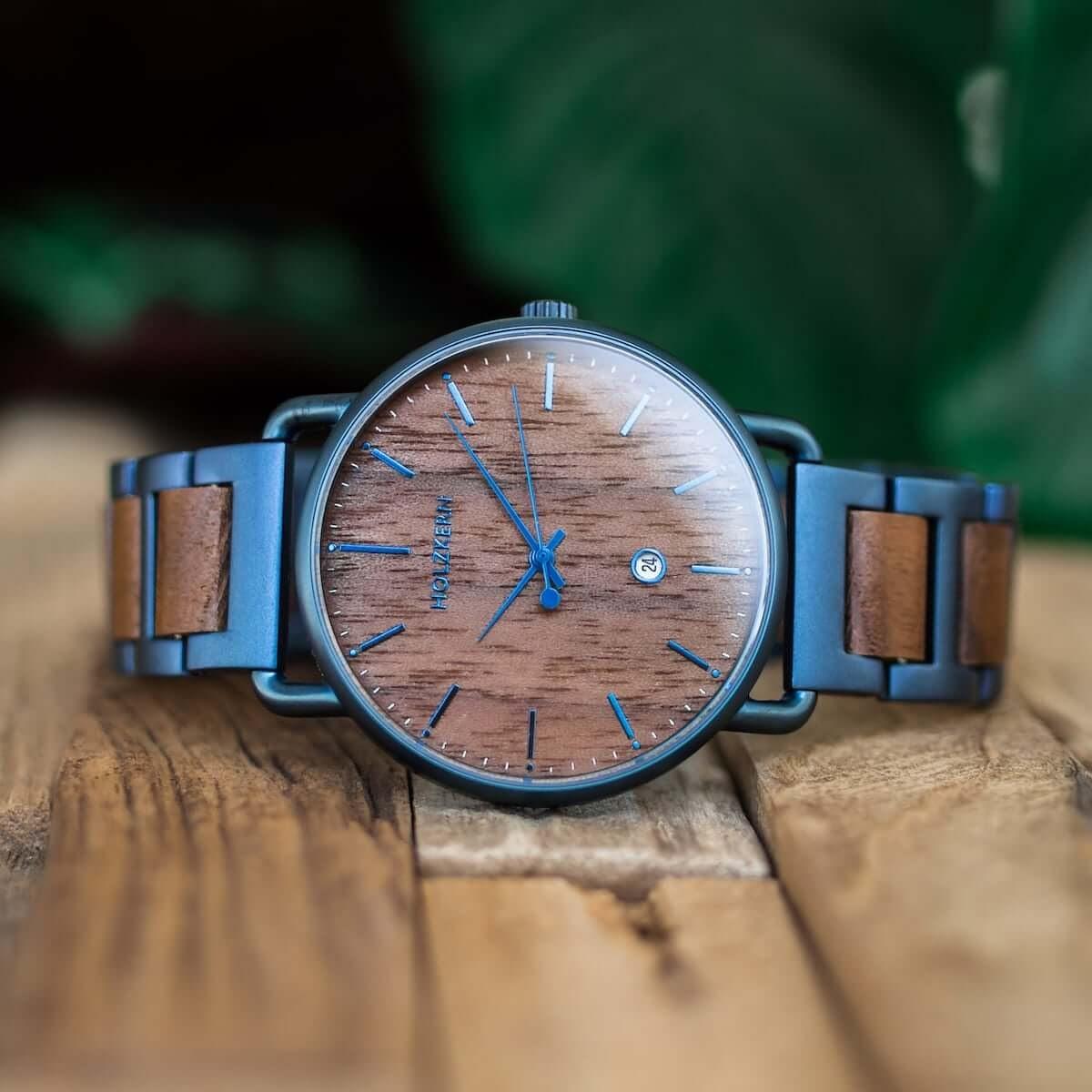 Holzkern Walnut Watch