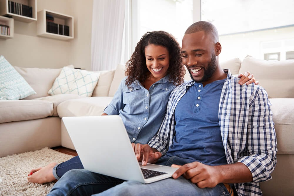 Couple surfing the web together