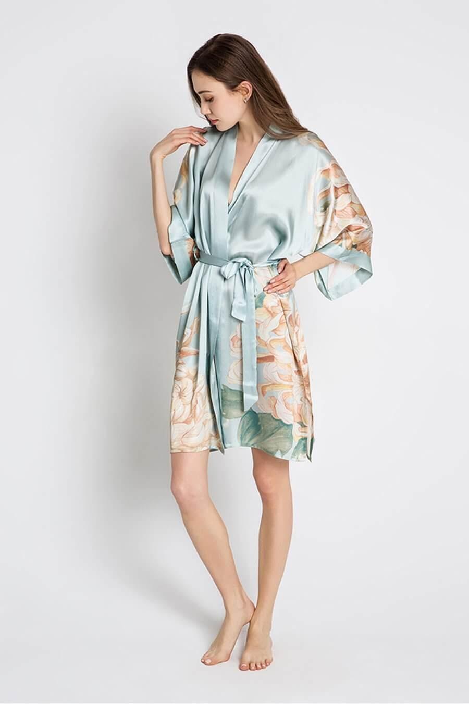 Kim + Ono Silk Kiku Kimono Robe