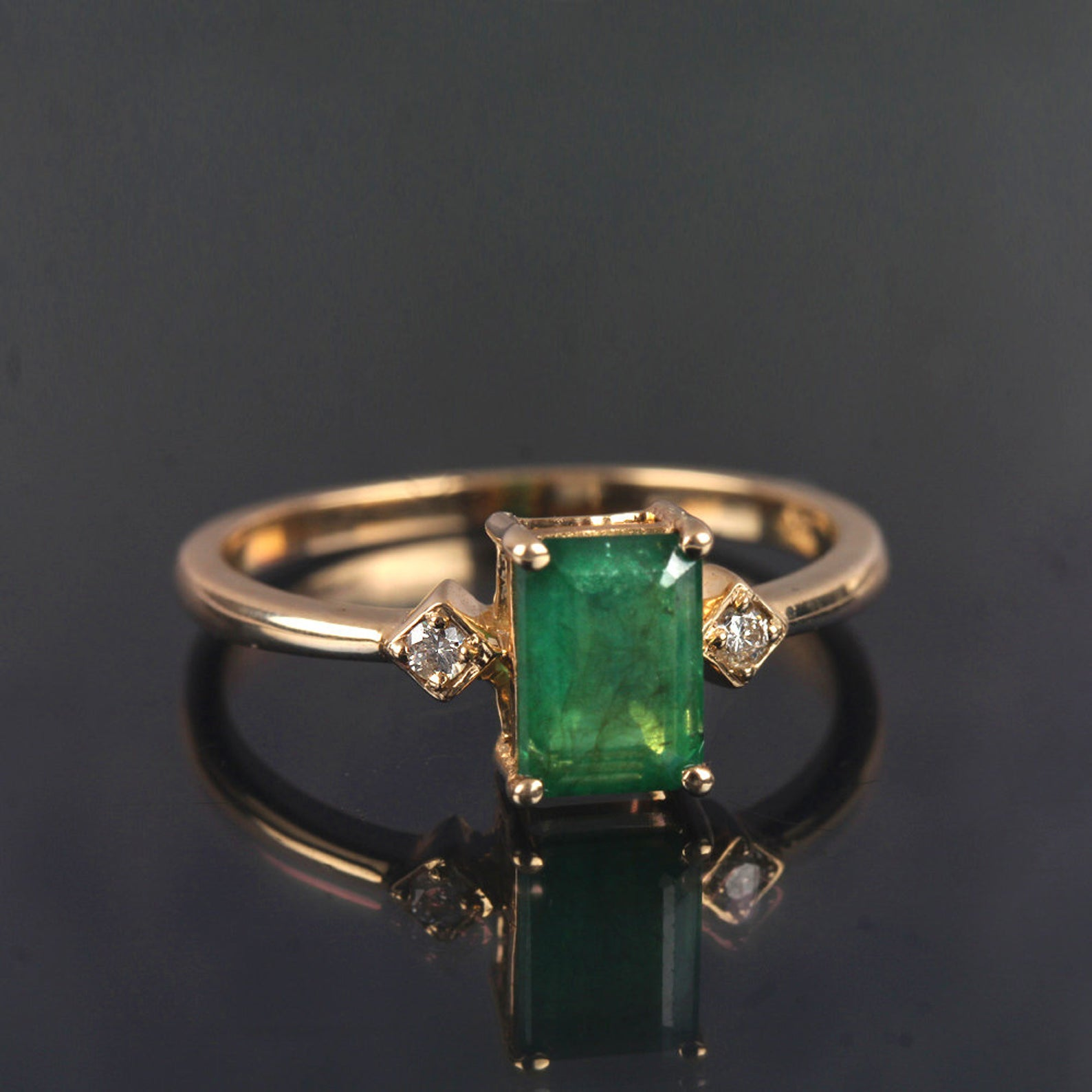 Natural Emerald Gemstone Engagement Ring