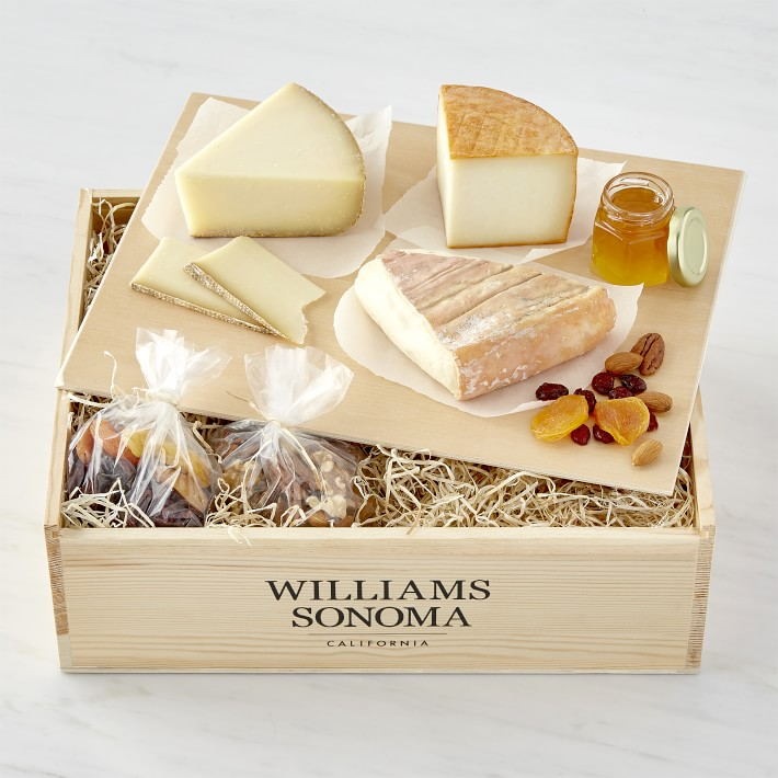 Williams Sonoma Taste of Europe Cheese Spread looking yummy