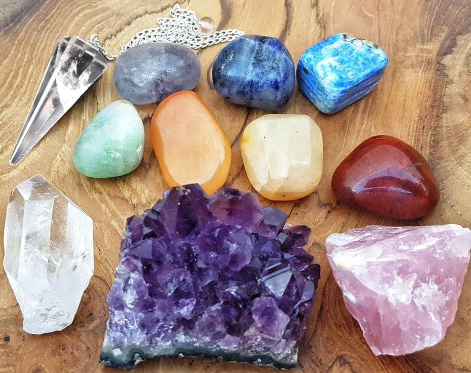 11 piece healing crystals and chakra stones