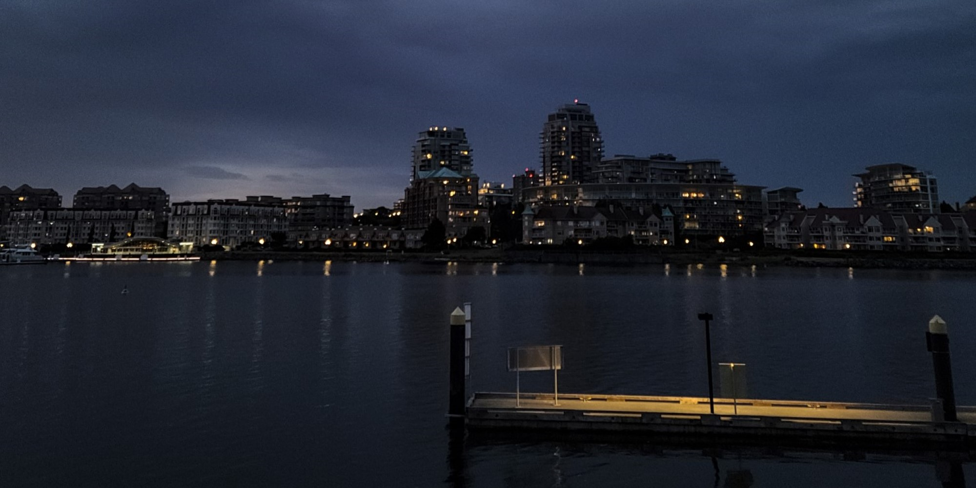 Creepy hallways, stunning sunsets: The delivery driver's view of Victoria