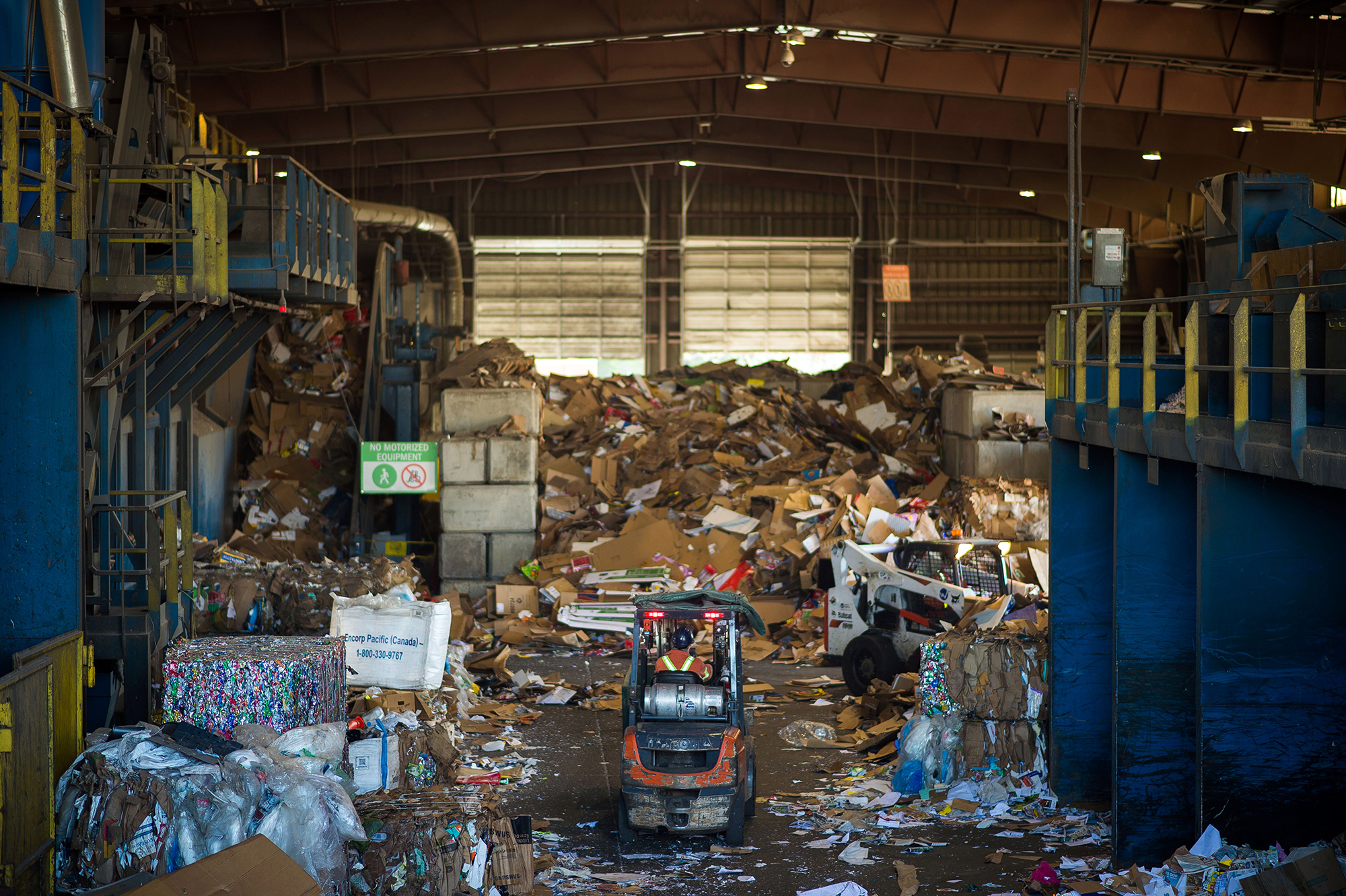 Inside Victoria's recycling system