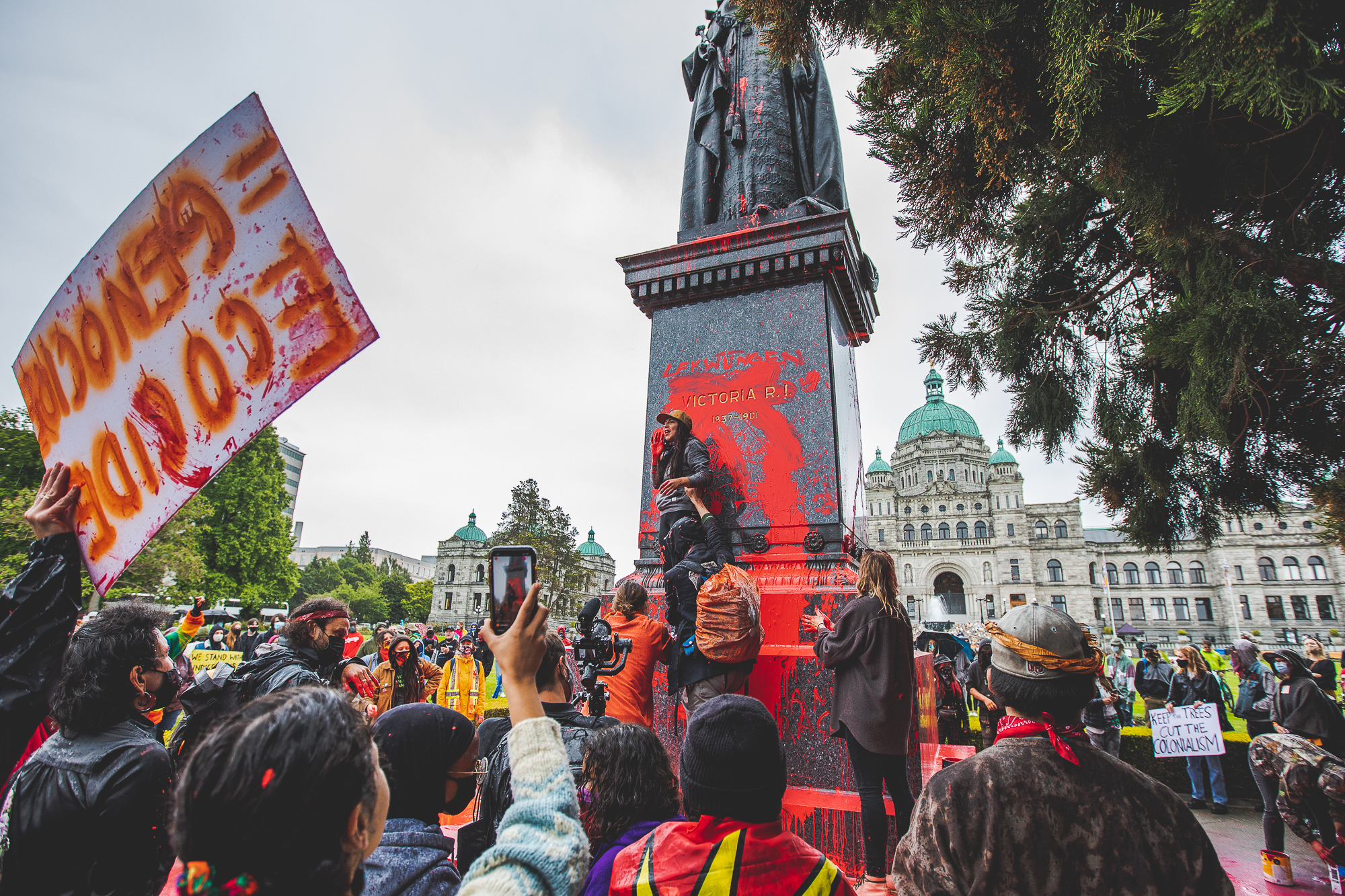 Rage, red, removed: Understanding the future of Victoria's monuments
