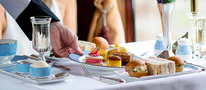Belmond British Pullman Champagne Afternoon Tea