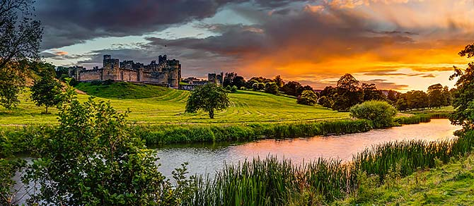 Northern Belle Alnwick Castle & Gardens, Northumberland Luxury Train Journey