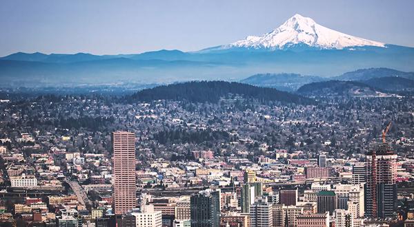 Portland, Oregon city skyline