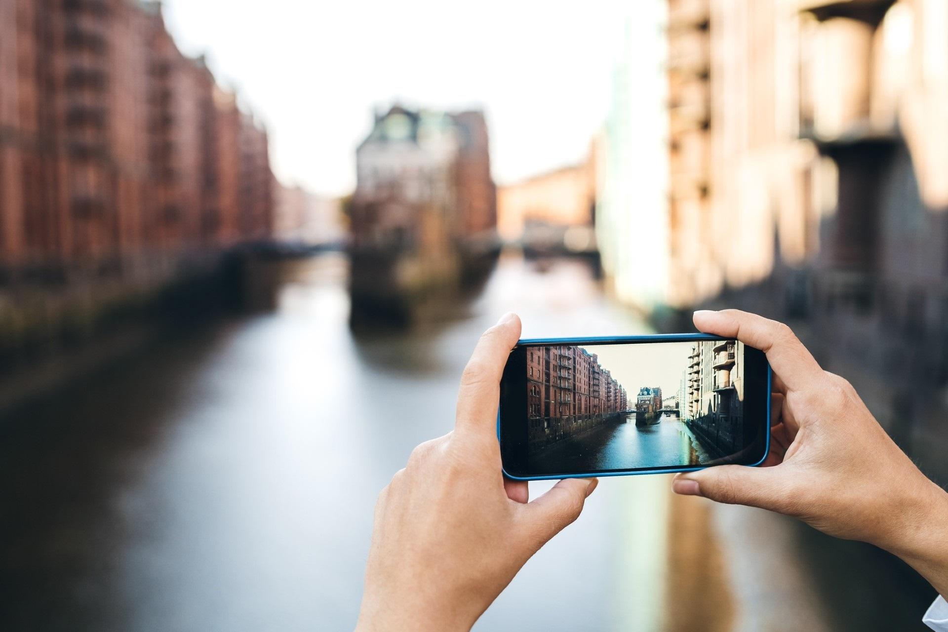 Mixing Virtual and Reality