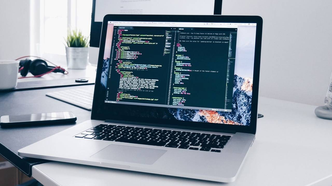 Teach Coding Courses Online and Start an Online Coding Business